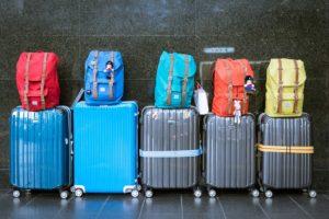 Varias maletas de viaje